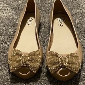 CHIC BY LADY COUTURE FLATS SZ 8